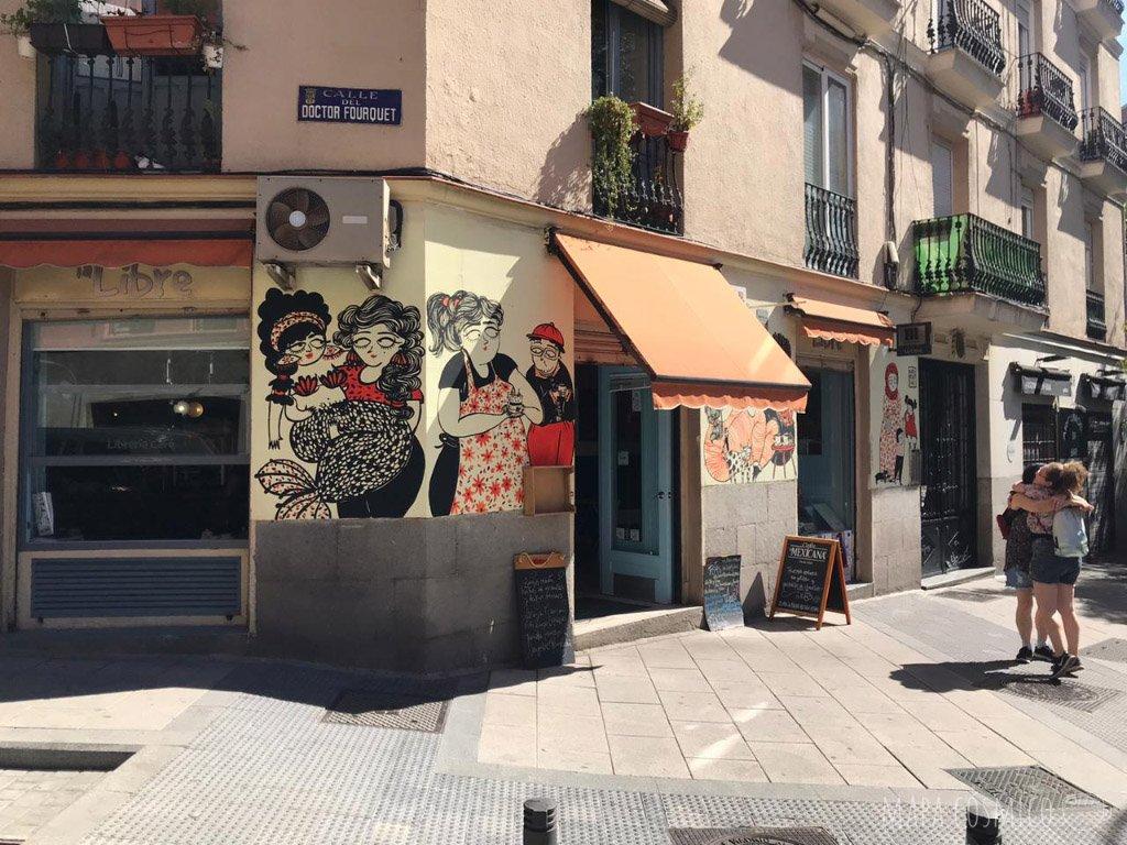 La libre, café y  librería en barrio Lavapies, Madrid