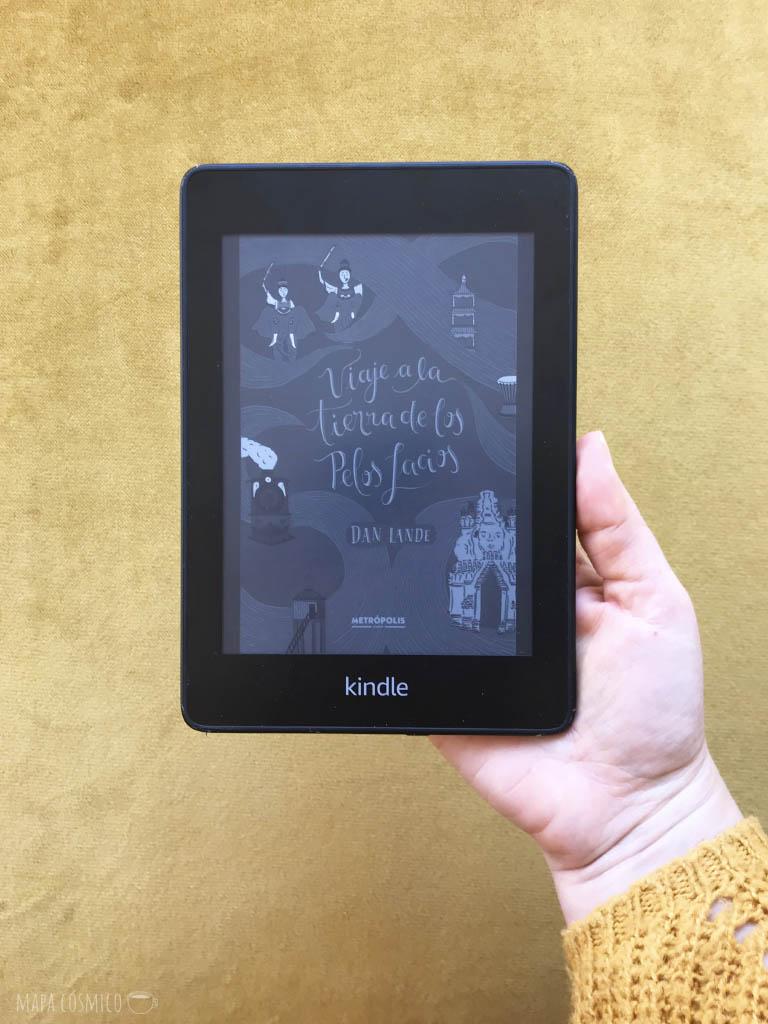 Libro en formato digital Kindle: viaje a la tierra de los pelos lacios de Dan Lande, ideal para leer en casa