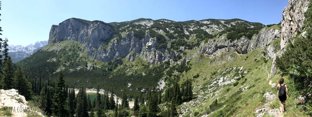 Cerro Crvena Greda en el parque nacional Durmitor, Montenegro (Crna Gora)